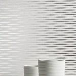 Colección Waves de revestimientos no tejidos para paredes y de diseño ondulante en tonos como el blanco escarcha, en High Class Technology.