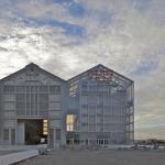 FRAC, complejo artístico construido por la firma de arquitectura Lacaton & Vassal, finalistas por el design of the year 2015.