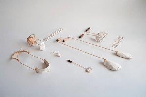 Piezas de la colección Outrospection: The body and the mind, por Daniel Ramos. Finalista en la categoría de Concepto de diseño, de los Premios Lápiz de Acero 2015.
