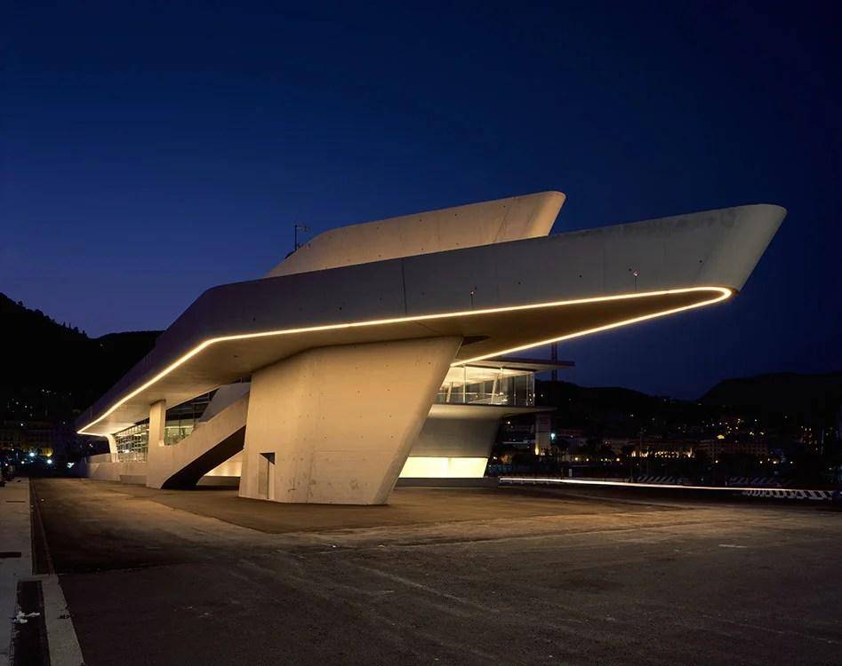 Terminal marítima de Salerno. Diseño de Zaha Hadid Architects. Foto: Helene Binet.