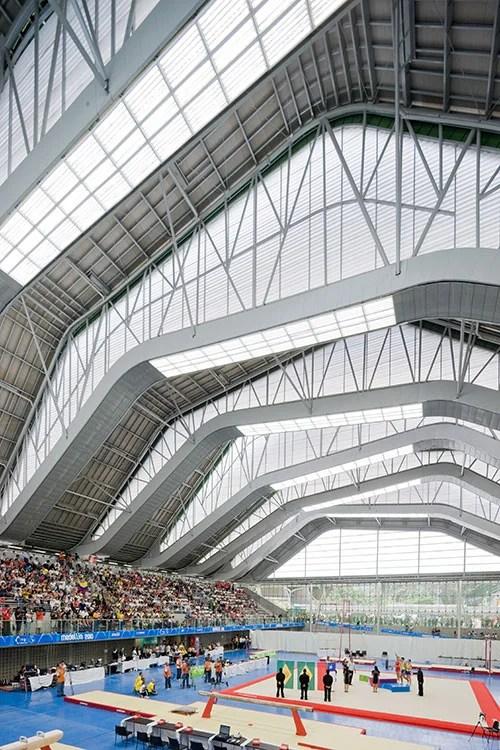 Cuatro escenarios deportivos hacen parte de la ampliada Unidad Deportiva Atanasio Girardot. Su arquitectura montañosa los define como un nuevo hito urbano.