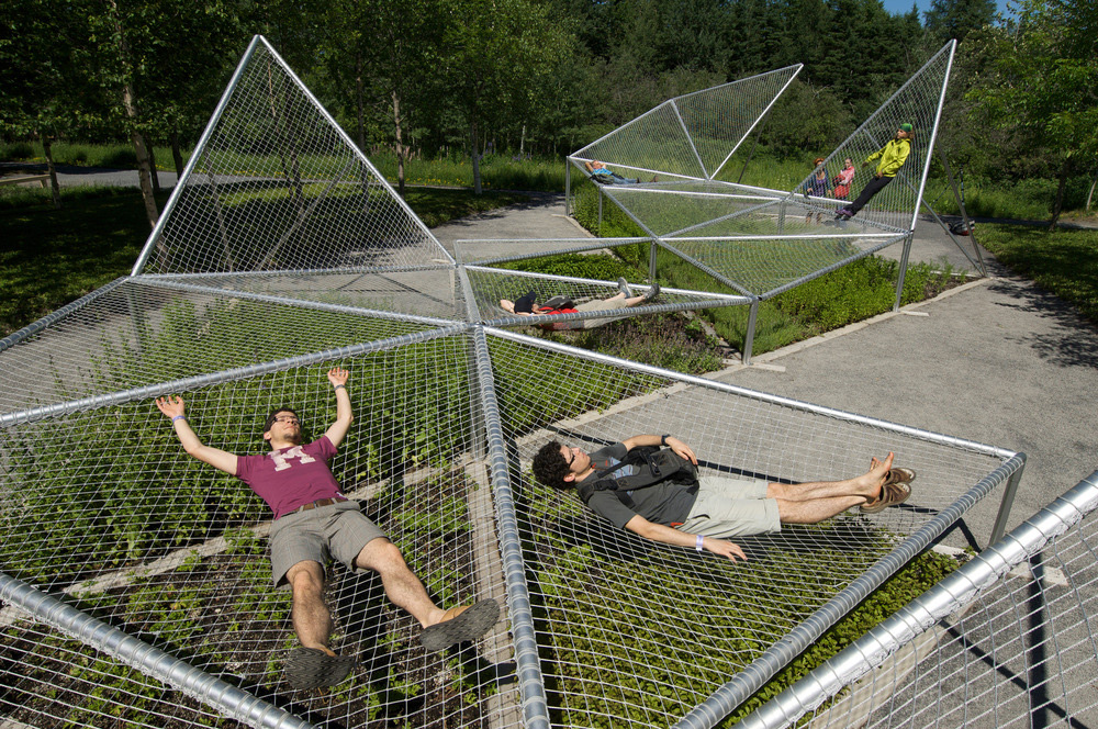 Dymaxion Sleep de Jane Hutton y Adrian Blackwell, 2009. Foto: Robert Baronet.