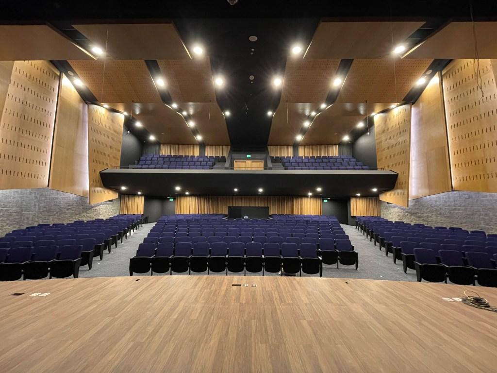 Auditorio de la nueva sede de la Fundación Universitaria del Área Andina en Valledupar