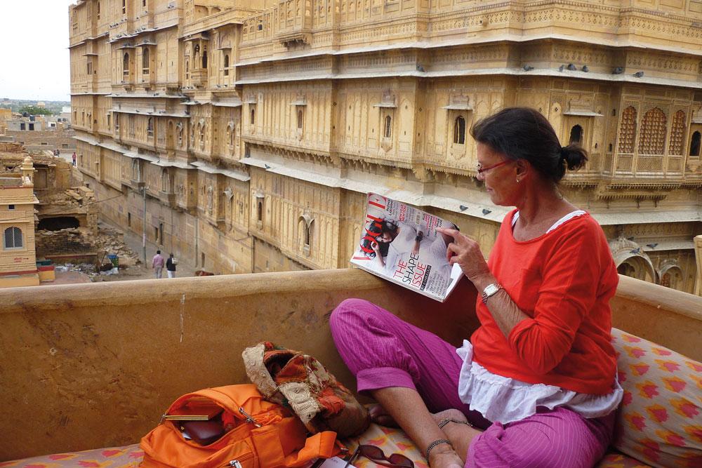 tini-de-bucourt-y-el-universo-hindu1
