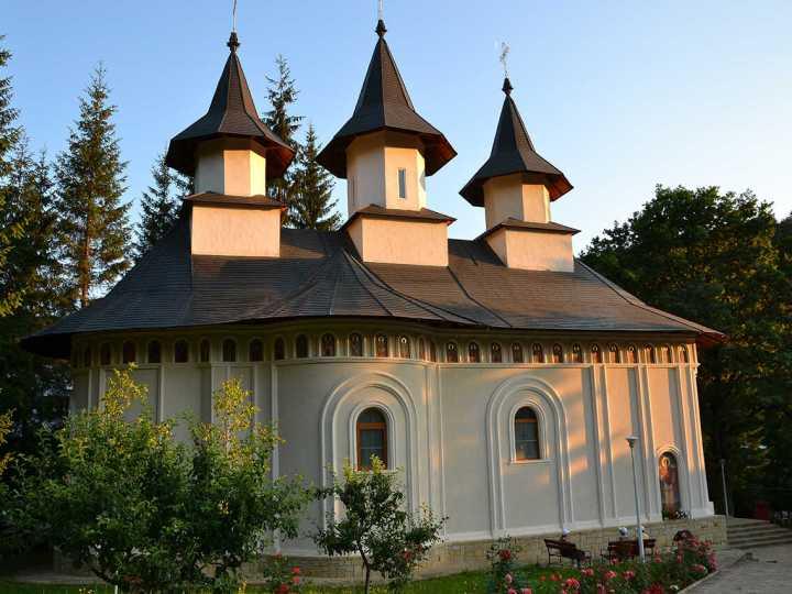 manastirea-durau
