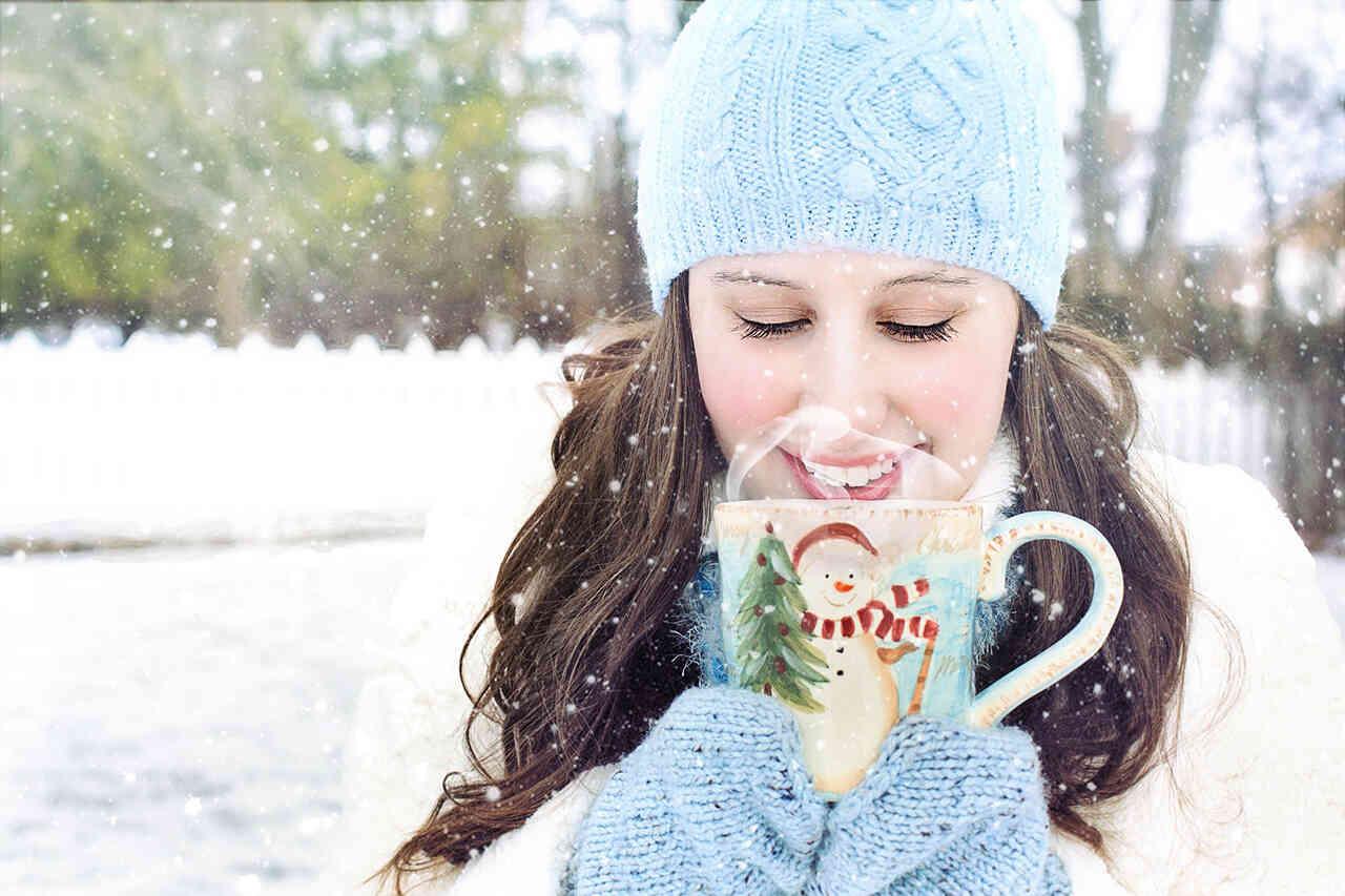 Îngrijirea pielii în sezonul rece. 7 sfaturi care te vor face să treci mai uşor peste iarnă dacă ai pielea sensibilă