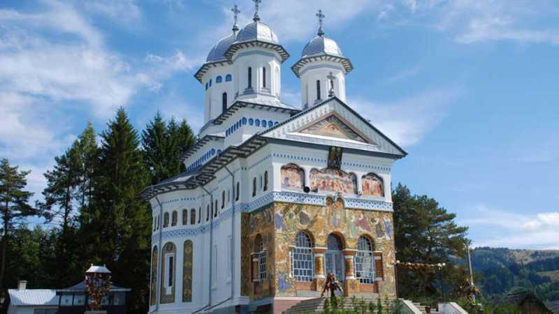 panaci-catedrala-muntilor