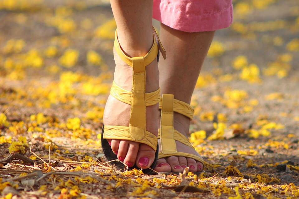 5 remedii pentru picioarele umflate