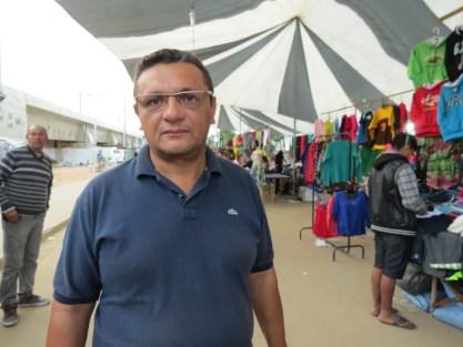 Antonio Martins leva a feira a diferentes bairros do Rio de Janeiro. Foto: Miriane Peregrino.