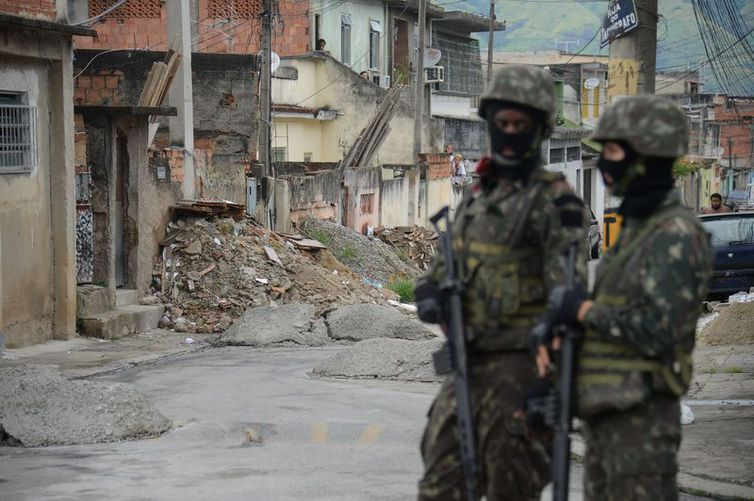 Forças Armadas em operação na Vila Aliança, no Rio. Foto: Tomaz Silva/Agência Brasil