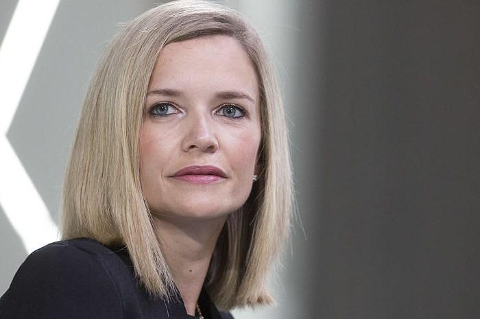 Libby Cantrill, Directora de Asuntos Públicos de PIMCO