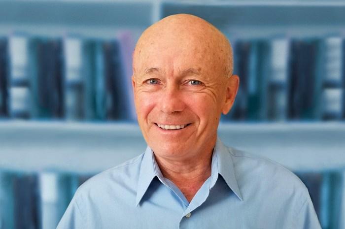 Peter W. Howitt, Profesor Emérito de Economía en la Universidad de Brown (EE. UU.)
