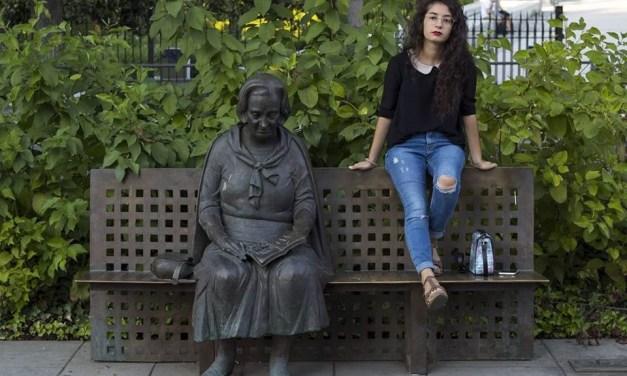 """""""Me gusta pensar que no hay límites en la poesía"""". Entrevista a Rosa Berbel"""