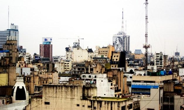"""La urbe como huella: """"La ciudad ausente"""" de Ricardo Piglia"""