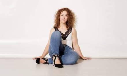 """La mujer que lo puede todo, hasta que """"se desgasta y se rompe"""". Entrevista a Marta Marco Alario"""