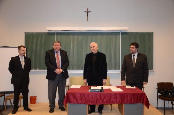 Profesorul Universitar Otniel Bunaciu a obținut abilitarea de a coordona doctorate
