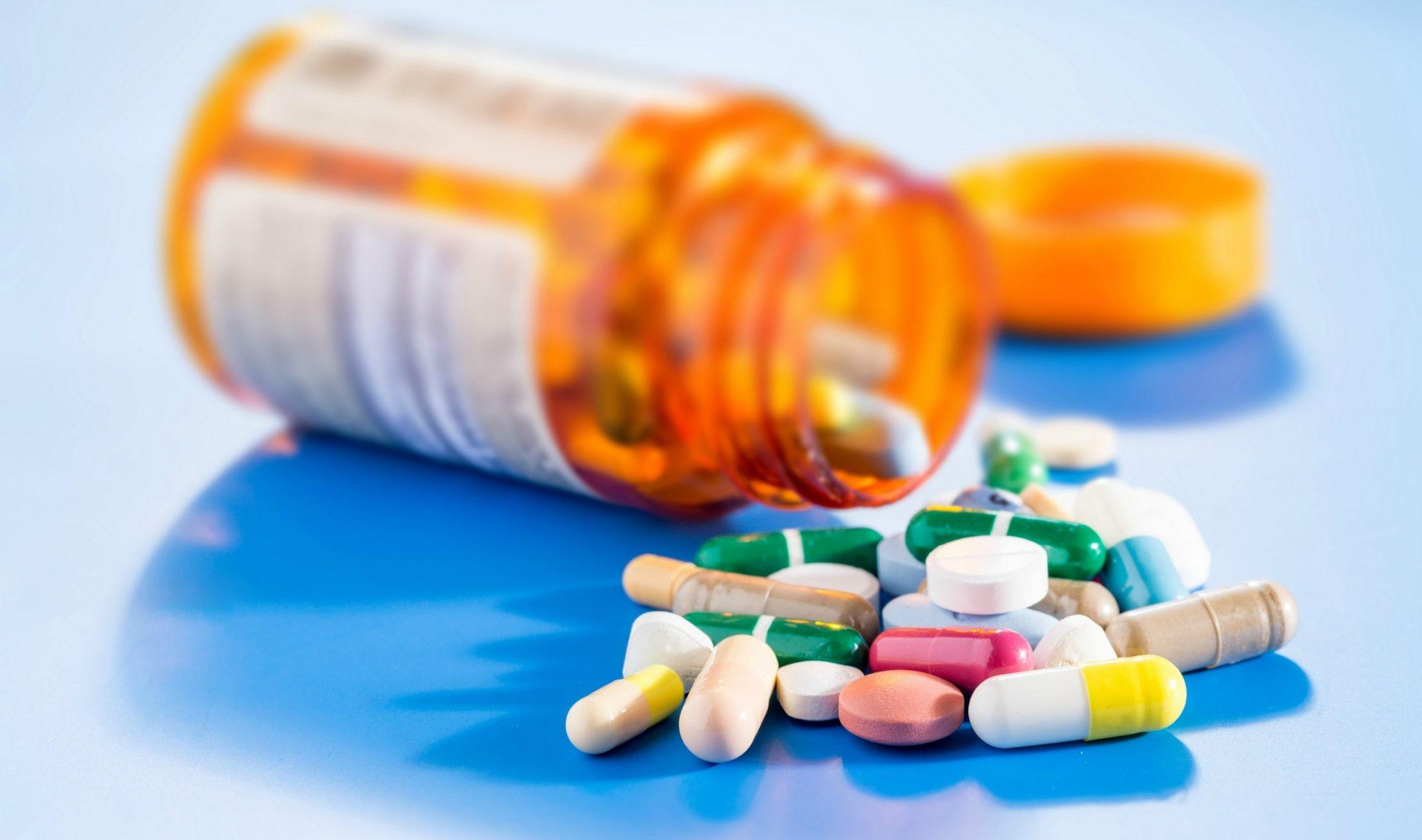 O STF definiu que o ISSQN incidirá sobre as operações realizadas por farmácias de manipulação que envolvam medicamentos manipulados sob encomenda.