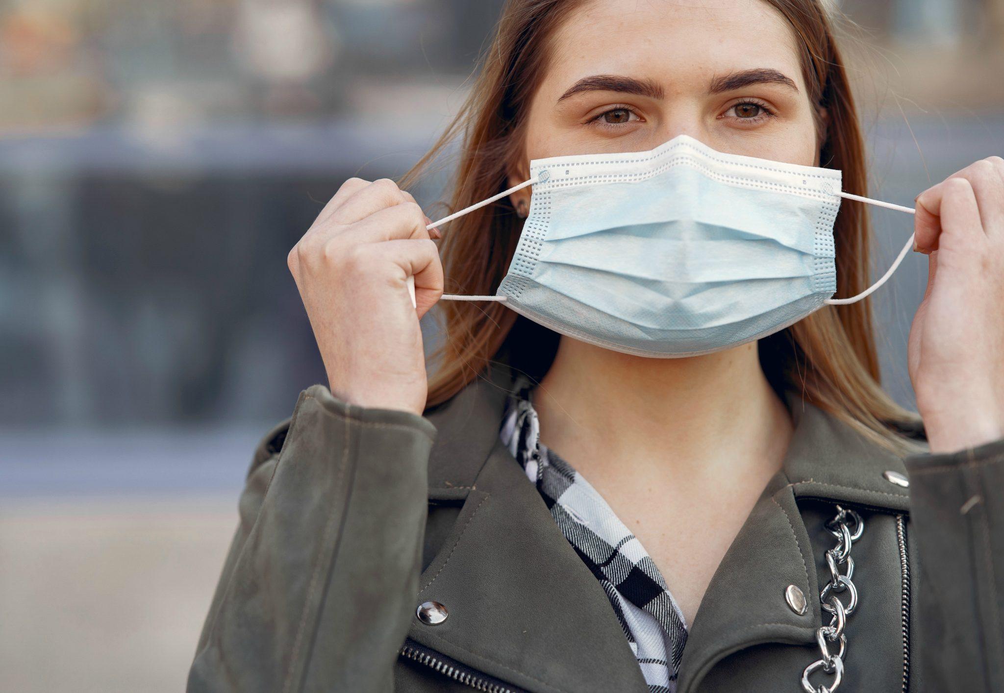 Máscaras de proteção podem causar acne