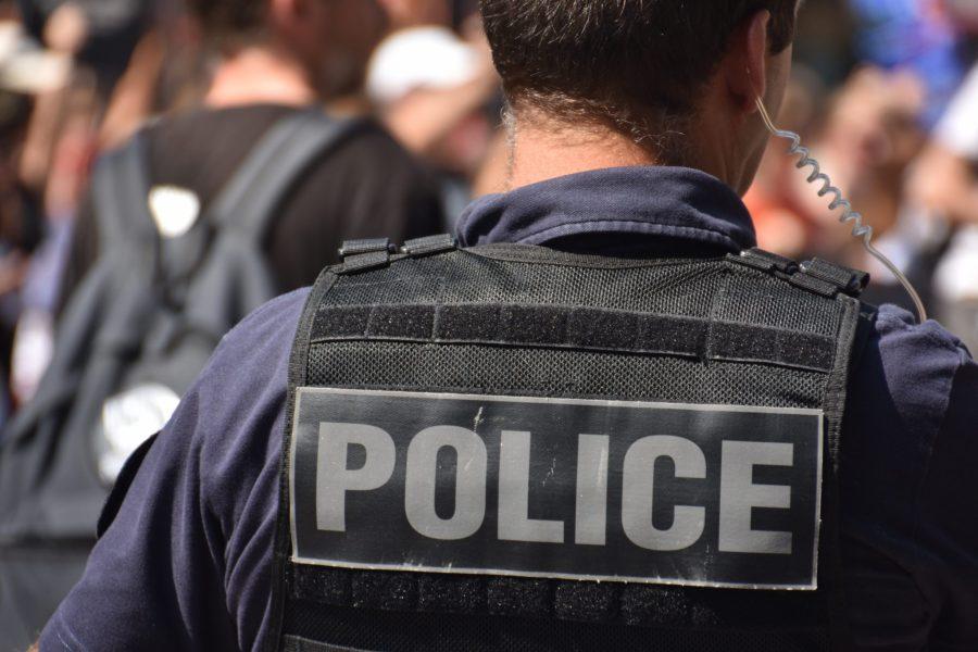 Polícia fecha fábrica clandestina de produtos naturais