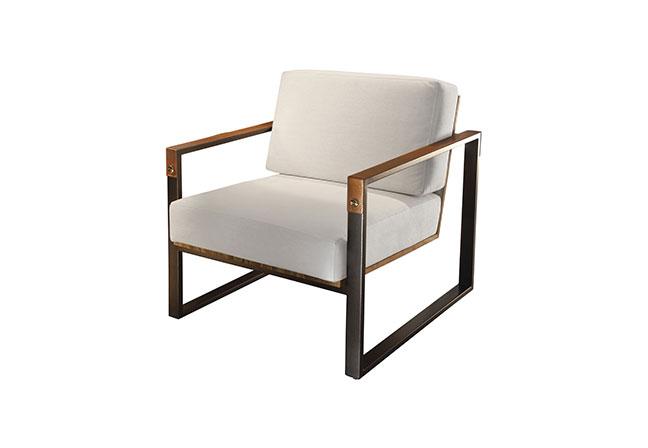 DUNELLI: A poltrona Moura enfatiza elegância e sofisticação com suas linhas retas e tons neutros. Com acabamento em teka nogal, se adapta aos mais variados espaços