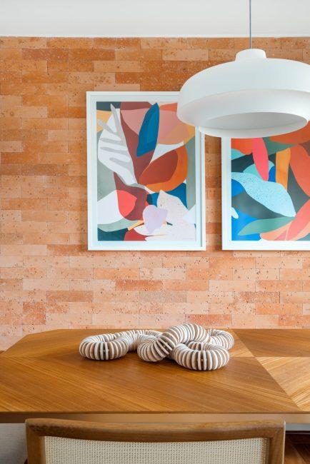 Área social de um apartamento em Moema assinada pela BRISE ARQUITETURA _ foto 7