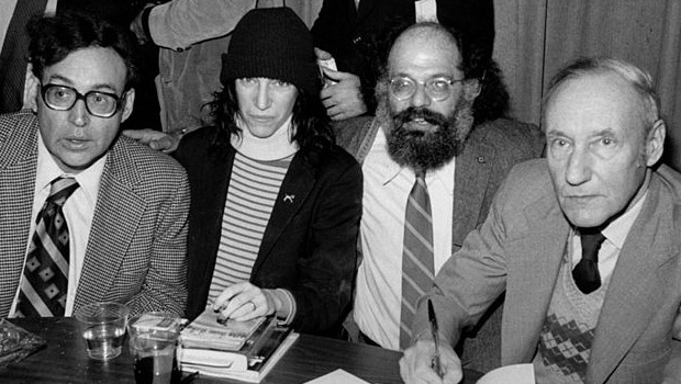 Solomon, Patti Smith, Ginsberg, Burroughs en Gotham Book Mart | Foto: Flickr More Solomon