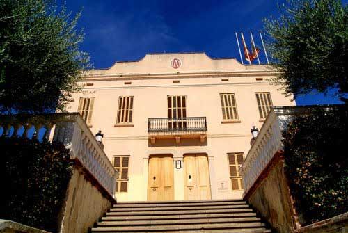 Fachada del Ayuntamiento de Teià