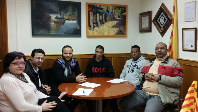 Reunión del equipo de gobierno con representantes de la comunidad musulmana. Foto: Ajt de Arenys de Munt