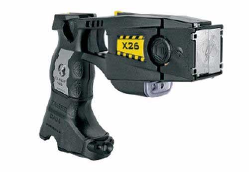 Una pistola eléctrica Taser con cámara