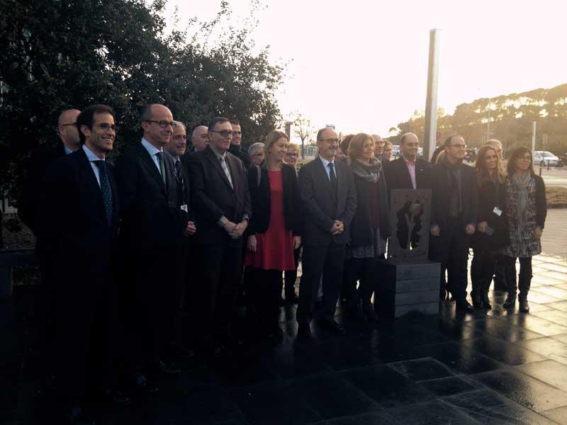 La vicepresidenta con los miembros del Patronato de El Roure del Vallès