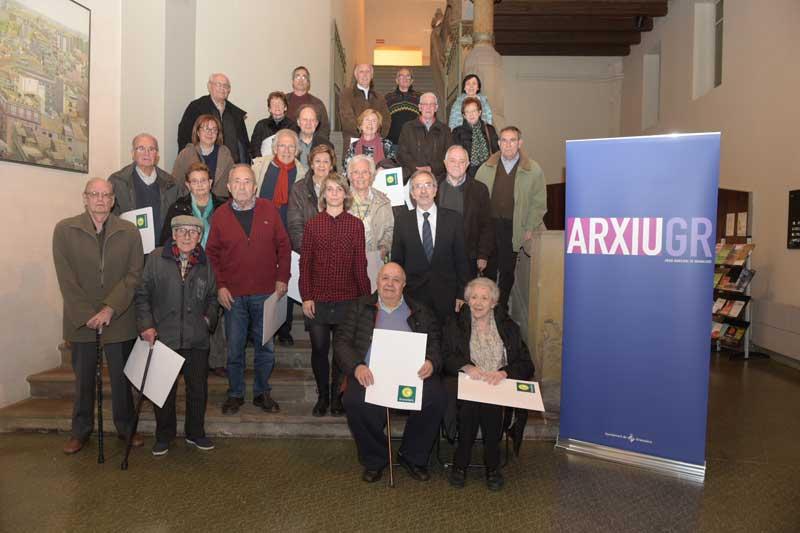 La foto de tots els participants a l'acte. Foto: Toni Torrillas