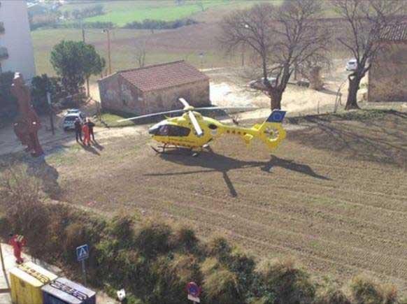 El helicóptero del SEM aterrizando en las proximidades del lugar del suceso. Foto: RAP 107