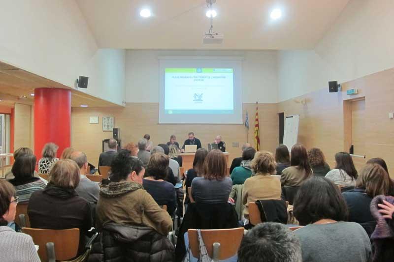 Reunión en la que se recordó el protocolo contra el absentismo escolar en Granollers