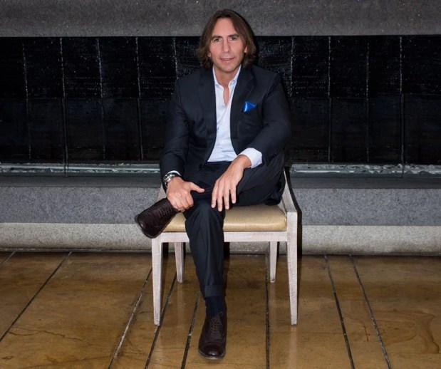 Director de exportaciones de Euroitalia visitó Colombia con motivo del lanzamiento de la fragancia Versace Dylan Blue en Bogotá. Diners conversó con él sobre el apasionante mundo de los perfumes, las narices, y demás.