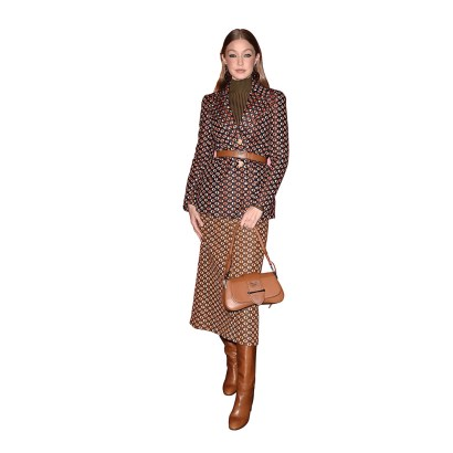 La top model Gigi Hadid lució espectacular en un conjunto de Prada.
