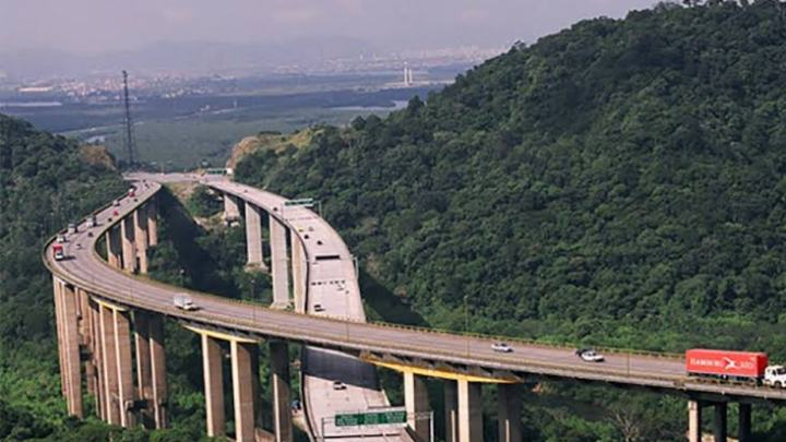 Rodovias de São Paulo devem ter movimento intenso na tarde desta quinta-feira