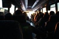 Projeto prevê ampliar benefícios para idosos viajar de ônibus no Brasil