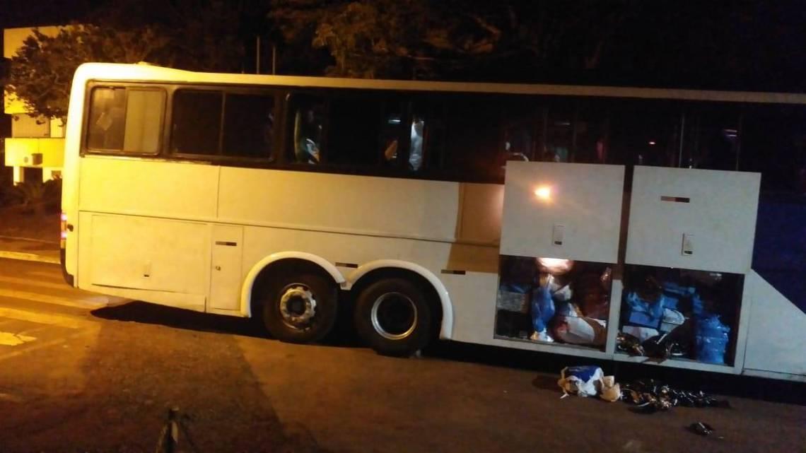 Ação da PF apreende ônibus com contrabando no Paraná