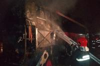 MT: ônibus pega fogo dentro de garagem em Alta Floresta