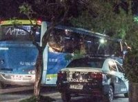 Ônibus que seguia para Maricá é assalto na RJ-104 em Niterói