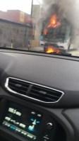 Ônibus pega fogo em Fortaleza neste sábado