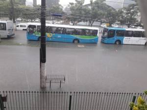 Ônibus do Sistema Transcol têm circulação prejudicada devido chuvas no Espírito Santo