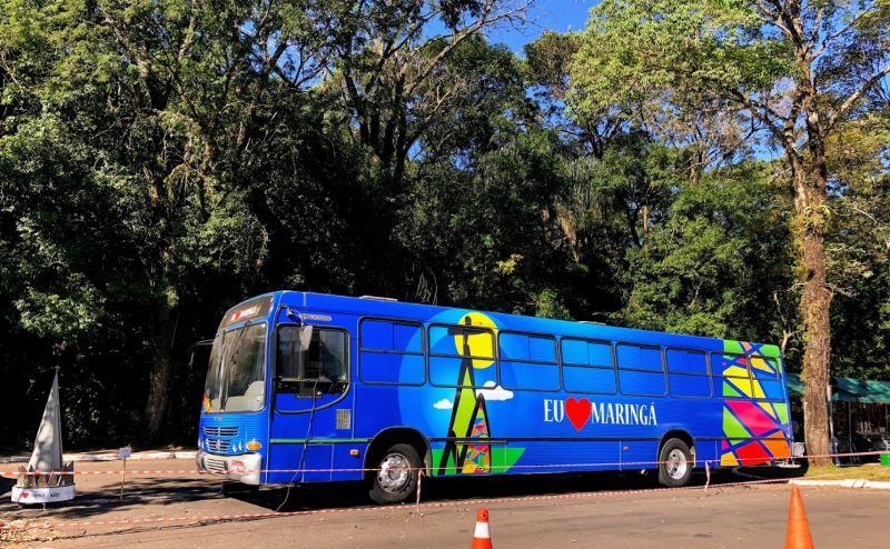 """PR: Ônibus """"Eu Amo Maringá"""" segue no Shopping Cidade"""