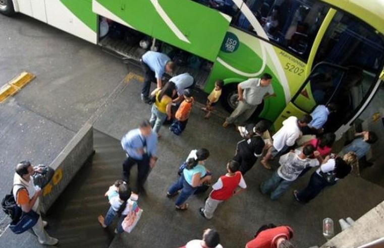 Rodoviária de Curitiba deve embarcar 31 mil passageiros no feriado