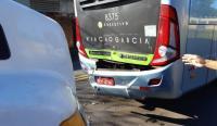 PR: Acidente entre caminhão e ônibus da Viação Garcia deixa dois feridos na BR-369