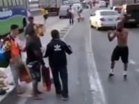 Rio: Avenida Brasil é fechada após briga de ambulantes