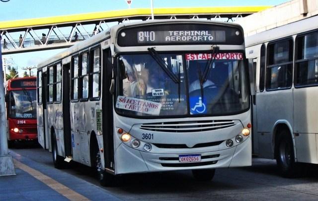 Cobrador de ônibus é atingido por golpe de tesoura na Bahia