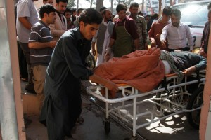 Bomba atinge ônibus e deixa 34 mortos no Afeganistão