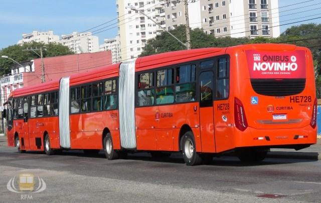Arrastão em ônibus de Curitiba acaba com dois presos neste domingo