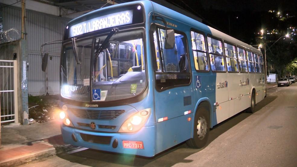 Bandidos fazem arrastão em ônibus do Transcol em Vitória
